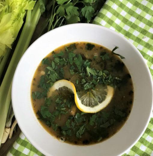 Fasolada – Grecka Zupa z Fasoli i Selera