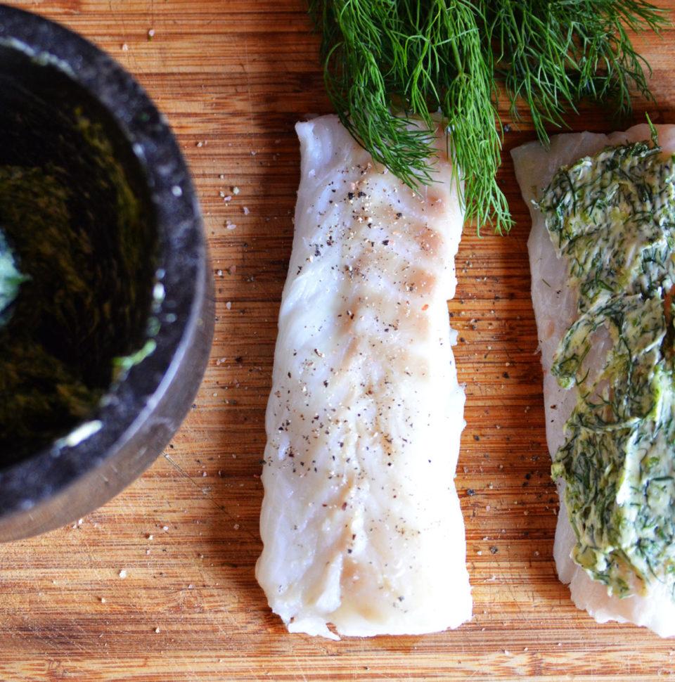 Ryba z Ziemniakami i Surówką